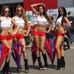 Фотографии девушек на стартовых решетках. Автогонки-43